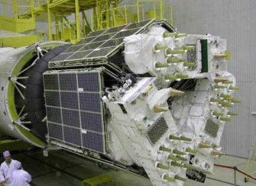 """俄空天军用""""联盟-2.1b""""火箭成功发射""""格洛纳斯-M""""导航卫星"""