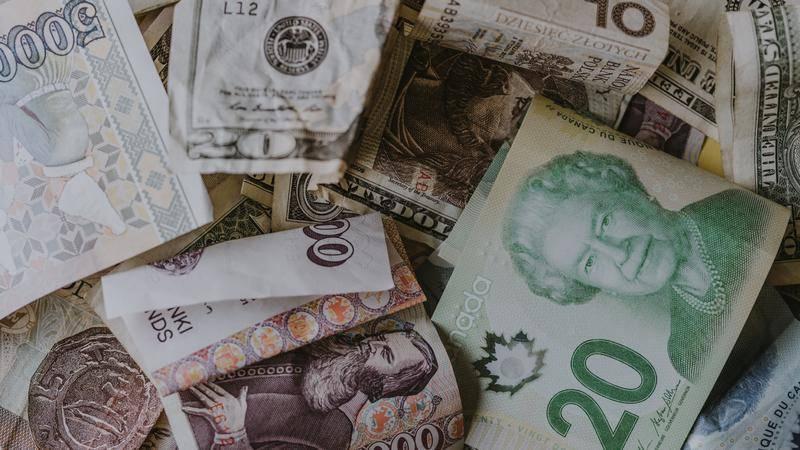 流水钞票,印钞厂要破产了,为什么濒临破产?