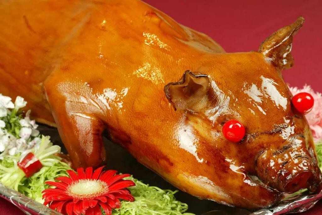 www.色情帝国2017.com猪来了?每年吃掉全世界猪肉消费量的 52%