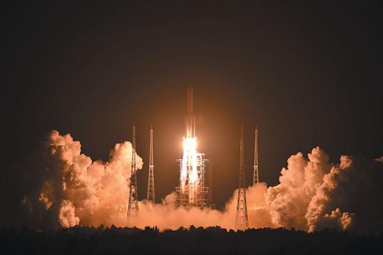 长征五号,发射飞行试验任务成功,卫星送入预定轨道