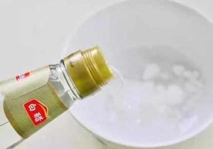 小苏打去污原理,去油污小苏打白醋配方比例