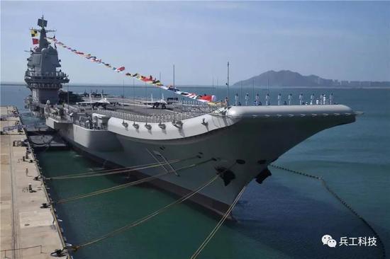 山东舰所用对称球扁钢和甲板钢皆为国产,与美国福特级特种钢不相上下