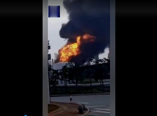 广东珠海高栏港长炼石化工厂发生爆炸,火光冲天!
