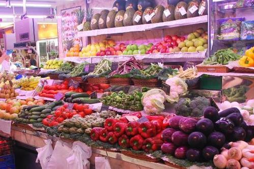 春节的脚步临近,猪肉蔬菜水果价格,预计春节前小幅上涨