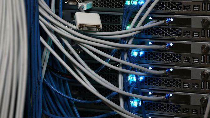 数据的云、网、端、IoT设备速度增加,引起反垄断关注