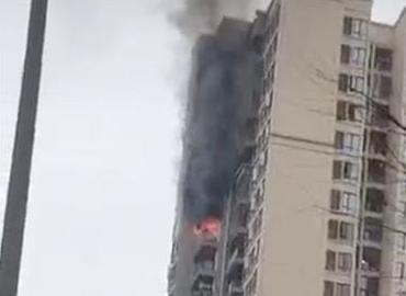重庆一小区高层建筑起火:火势已被扑灭,无人员伤亡