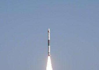 我国首颗5G低轨宽带通信卫星银河航天首发星发射升空