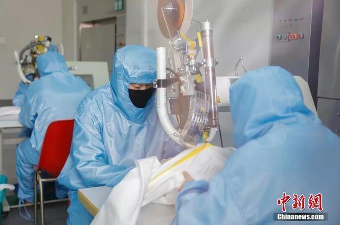目前疫情防控情况如何?如何解决口罩短缺问题?