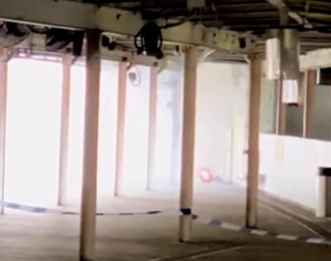 港铁列车炸弹爆炸起火,警方回应:严厉执法,绝不姑息