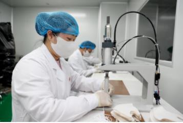 广州新型口罩研发成功,鹿山新材料研发新型熔喷布遇水可溶无污染