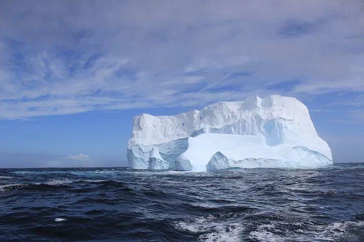 16年来全球海平面上升了14毫米,冰架的变薄约5米