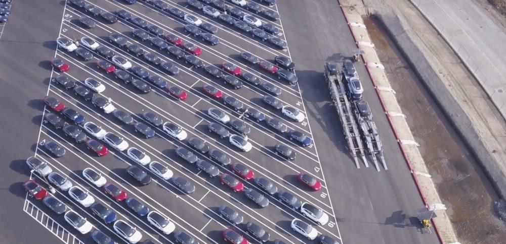 特斯拉今年将在中国新增4000个超充桩,V3超充桩30分钟充100度电