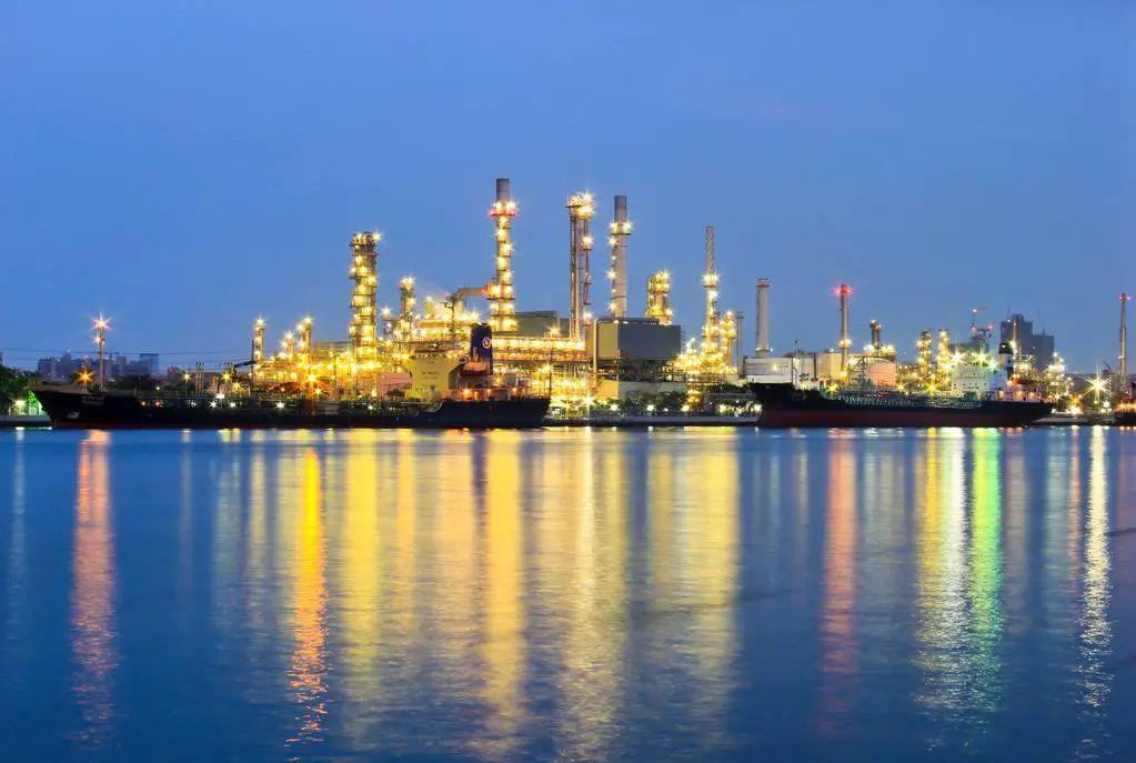 中国炼化负荷率超过70%,享受低价原油红利,利润远超疫情前水平