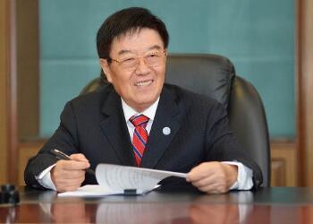 扬子江药业董事长徐镜人谈中医药如何推动健康扶贫