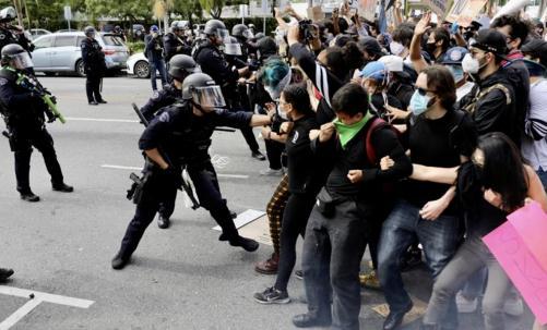 一夜间美国超26座城市实施宵禁,示威活动或将加速疫情蔓延