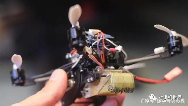 微型黄蜂无人机,可以进入极为狭窄的空间