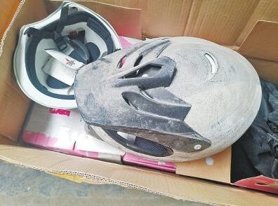 花51万买14637个头盔却是残次品,商家:卖的就是废品和破烂