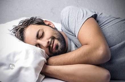 夜间刷手机刺激自感光神经节细胞,刷屏引起抑郁样表现