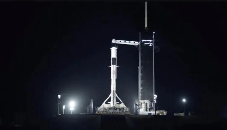SpaceX龙飞船牛在哪了?宇宙飞船电脑系统究如何工作