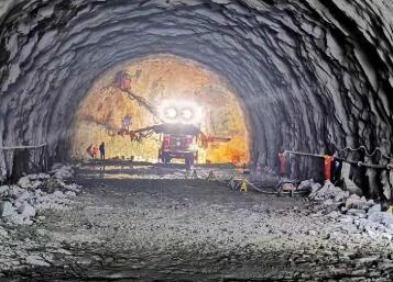 """""""天琴计划""""超静山洞实验室隧道全线贯通,为明年交付做准备"""