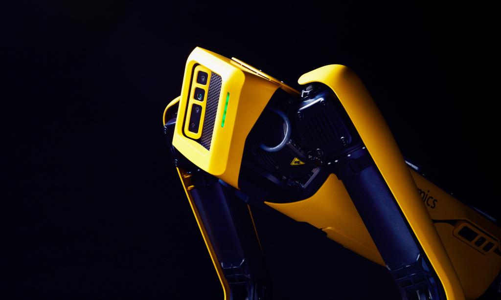 機器人Spot可以爬樓梯,穿越崎嶇地形,售價74500美元