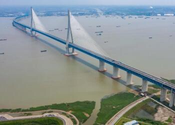 沪苏通长江公铁大桥正式开通,沪苏通铁路通车运营