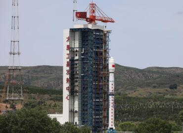 """中国成功发射高分辨率多模综合成像卫星及""""西柏坡号""""科普卫星"""