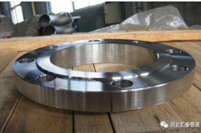 法兰焊接后出现裂纹的原因与解决措施