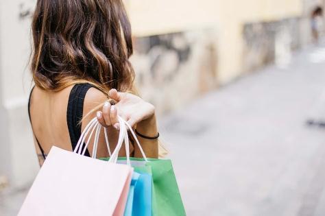 """《海南离岛旅客免税购物监管办法》新版:""""代购""""3年内将不得享受离岛免税购物政策"""