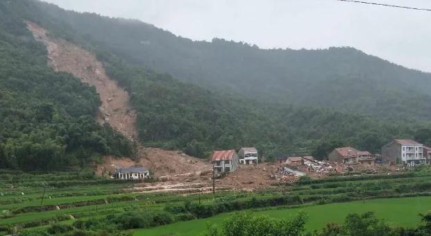 湖北省黃梅縣山體滑坡事件已致9人被埋,防汛等級升至Ⅱ級