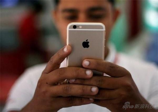 """蘋果向受到""""電池門""""影響的iPhone美國用戶每人賠償25美元"""