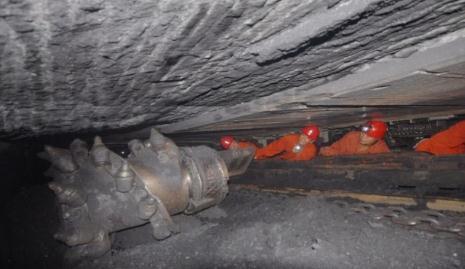 薄煤层安全高效开采现状:先天制约带来可靠性、适应性等问题