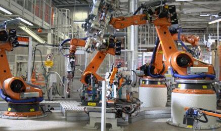 """美的""""四剑客""""首次亮相工博会 正加强库卡机器人开发能力"""