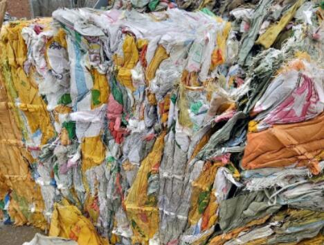 """塑料""""变废为宝""""技术逐渐出台,各项方案正在稳步运行"""