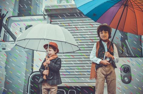 雨雪天打伞手太冷,新型定位式恒温伞柄设计解难题