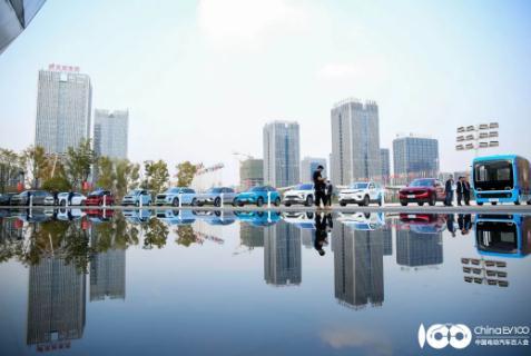 智能汽车——中国由汽车大国迈向汽车强国的重要武器