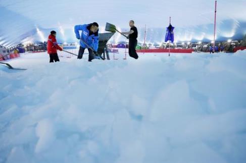 """在污水处理厂屋顶体验冰雪世界 温州创新打造""""环保+体育""""模式"""