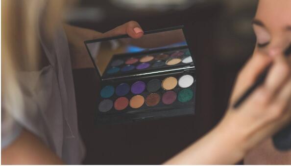 面对中国女性肌肤特点,国货美妆品牌应该这样进行开发