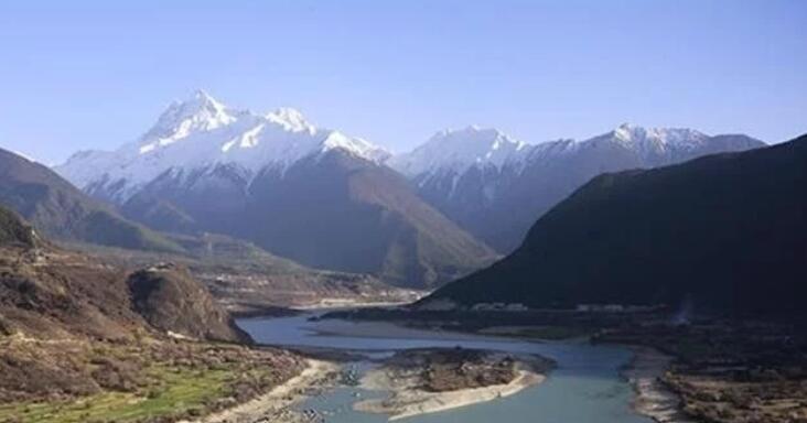 雅鲁藏布江墨脱水电站目前仍在勘测阶段,修建工程太复杂