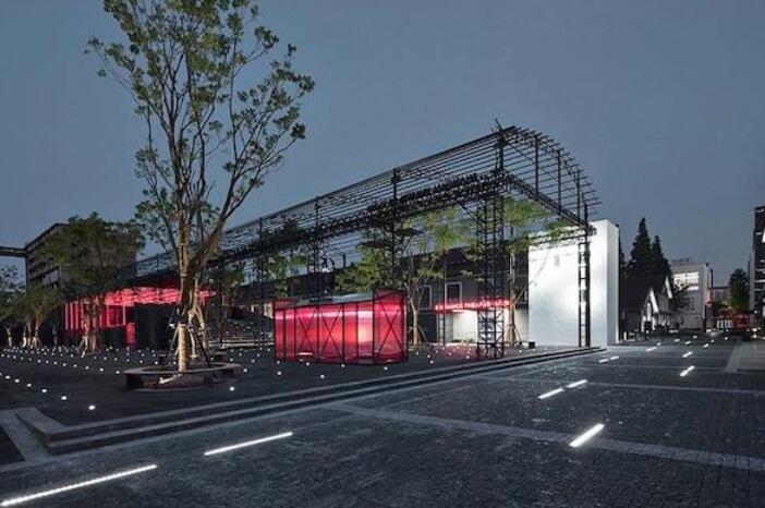 """上海玻璃博物馆""""重置""""大展开幕,众多展品与观众见面"""