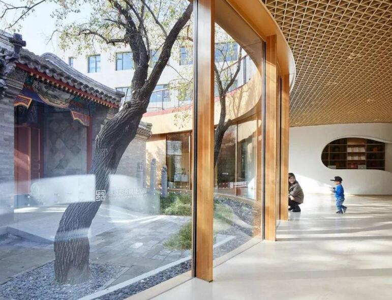 建筑师马岩松和他的四合院屋顶幼儿园