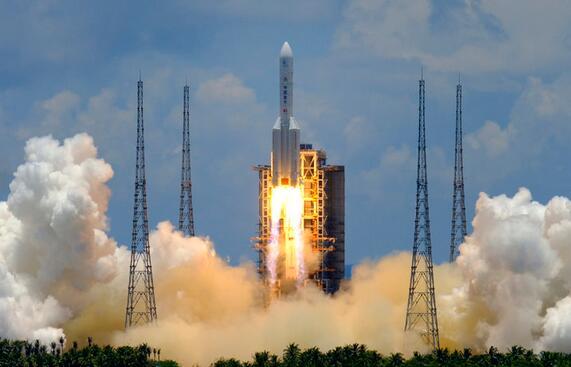 嫦娥五号落月挖土,隼鸟二号采样返回,中日月球采矿技术孰强孰弱?