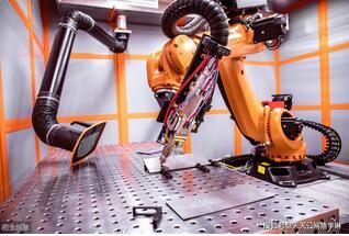"""智能制造:機器人是""""制造業皇冠頂端的明珠"""""""