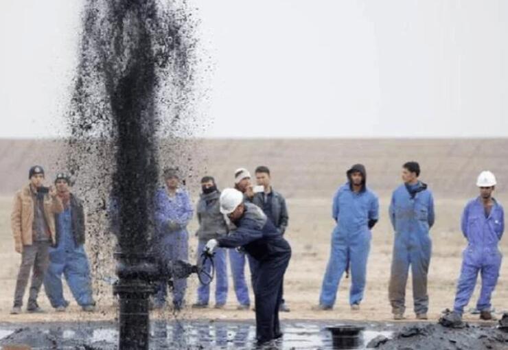 伊朗受疫情影响,低价抛售石油,美国从中阻止