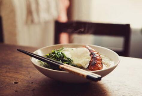"""""""一人食""""趋势催生餐饮新业态,单身经济成商机"""