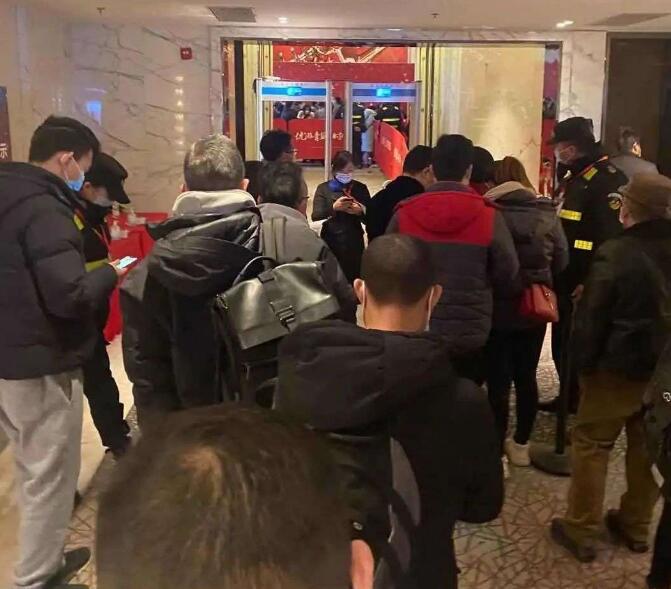 小心上海楼市的虚火:房东中介联手作价,马甲参与摇号