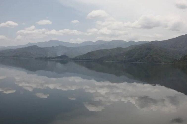 世界上最危险的湖--基伍湖,充斥着大量的二氧化碳和甲烷