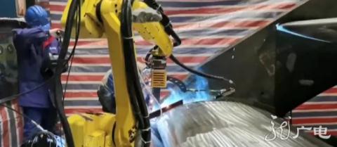 2020年中国工业机器人产量总计为237068台,国产崛起未来可期!