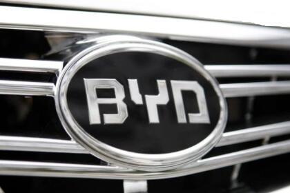 比亚迪2021年1月汽车销量42401辆,同比增长68.44%