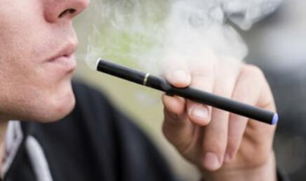 """电子烟""""上位史"""":电子烟能戒烟不过是""""套路"""""""